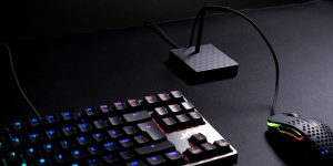 Xtrfy-B4-BLACK-Mouse-Bungee-Herogallery_005