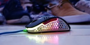 Xtrfy-M4-Street-Gaming-Mouse_hero01